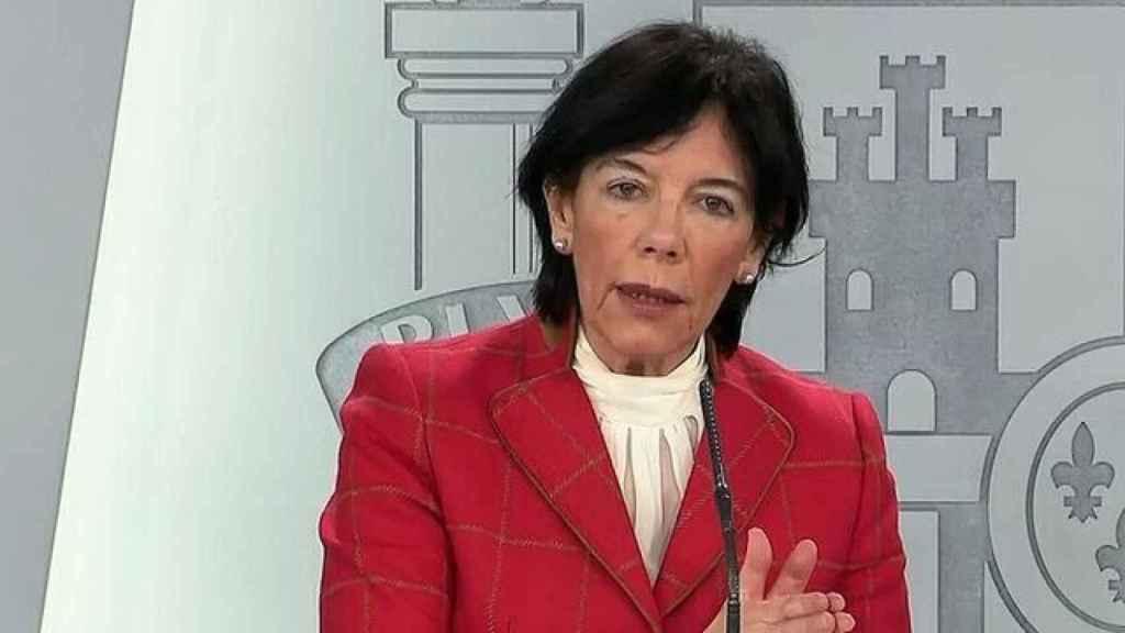 La ministra de Educación, Isabel Celaá, en rueda de prensa.