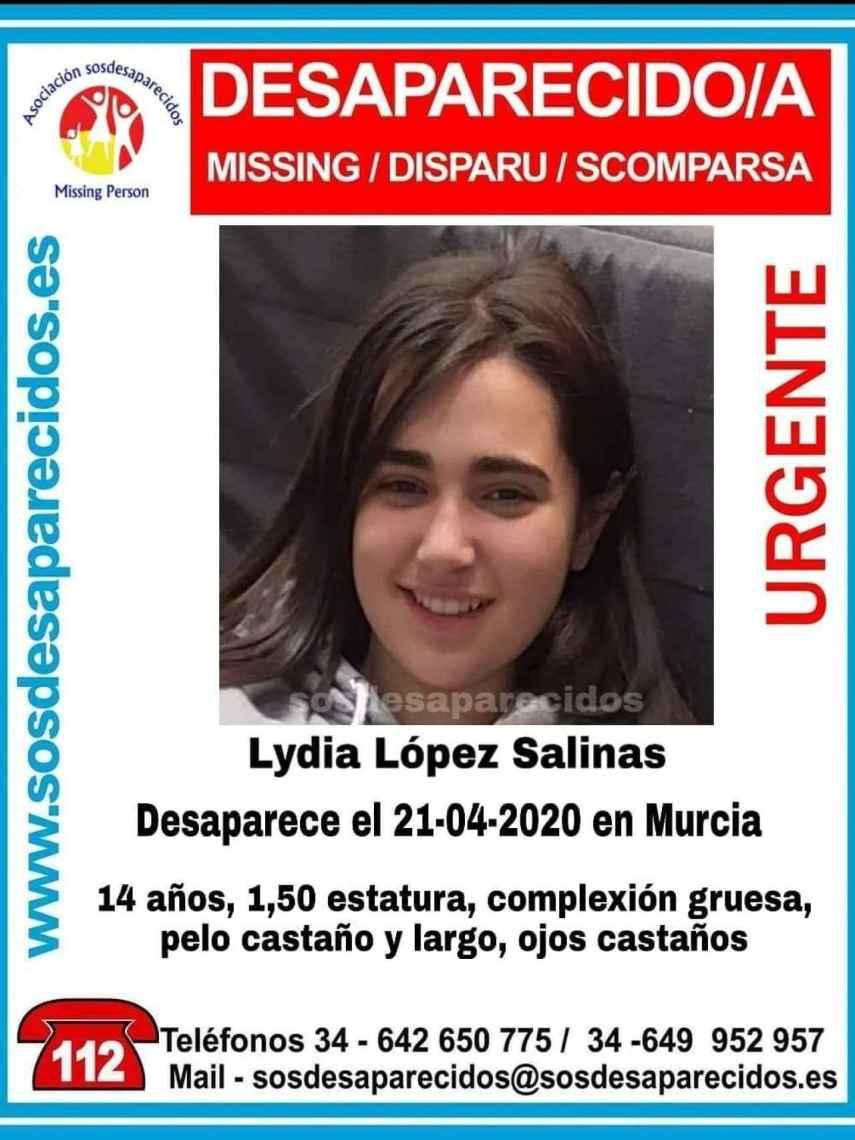 Cartel que los padres de Lydia están pegando por las calles de Murcia.