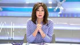 La presentadora abandonaba su puesto por una fuerte afonía.