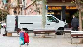 Así deben salir los niños a la calle: las normas del Gobierno desde este domingo
