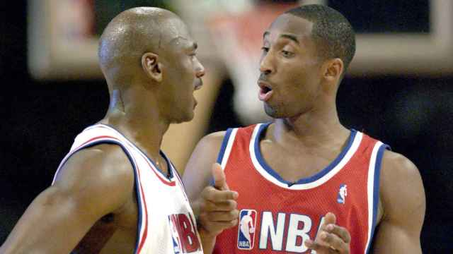 Michael Jordan y Kobe Bryant en el All Star de 2003