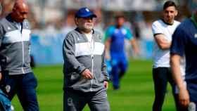 Diego Armando Maradona, en un entrenamiento con Esgrima La Plata