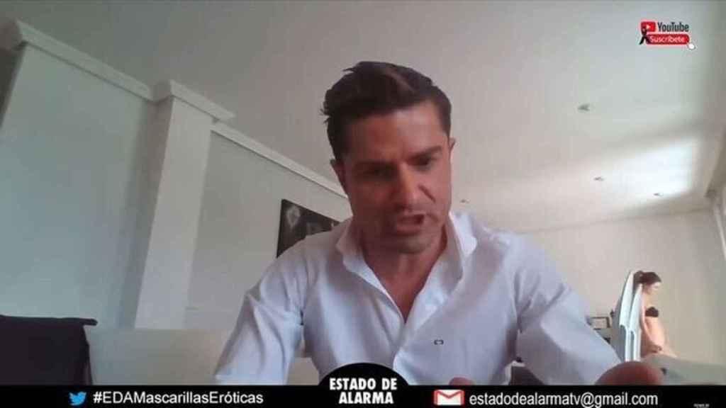 Detalle del momento en que Alexia Rivas aparece en la videoconferencia de Alfonso Merlos.