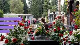 Flores en un cementerio, en una imagen de archivo.