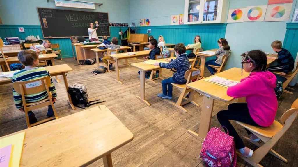Noruega reabre escuelas y comercios y los juzgados de Dinamarca vuelven a funcionar