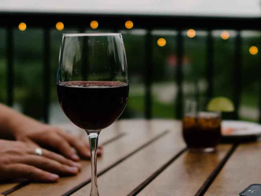 Diálogos de vino Cocinillas, todos los viernes de mayo en IG Live.