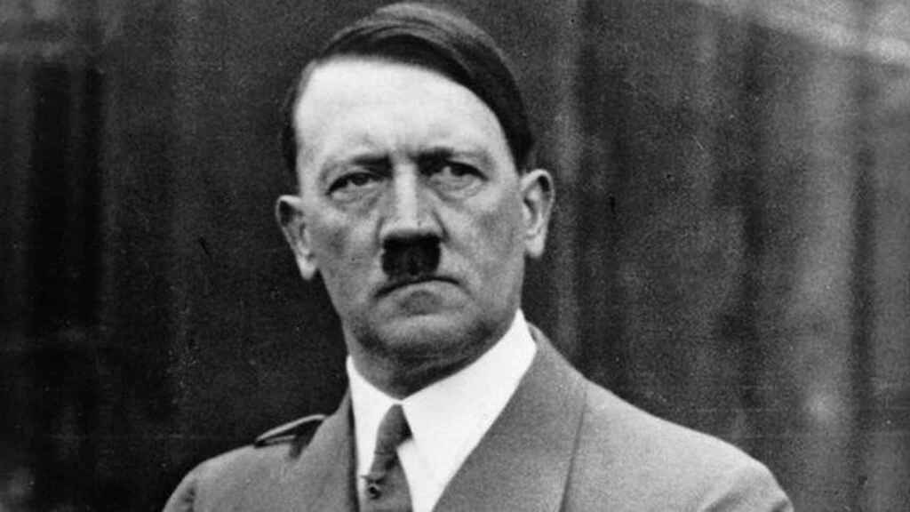 Hitler fue gay.