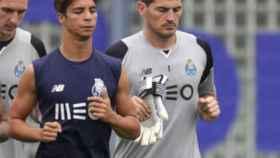Oliver Torres e Iker Casillas, en el Oporto