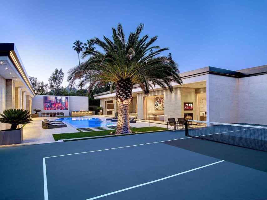 Detalle de la cancha de tenis de la mansión que ha comprado Kylie Jenner.