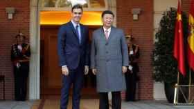 Pedro Sánchez con el presidente chino, Xi Jinping, en una reunión en la Moncloa en 2018.