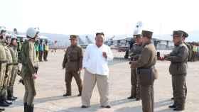 Kim Jong-un, en su última aparición pública en un complejo militar.