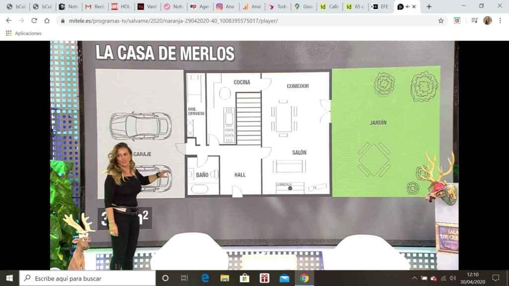 Marta López explica la distribución de la casa.
