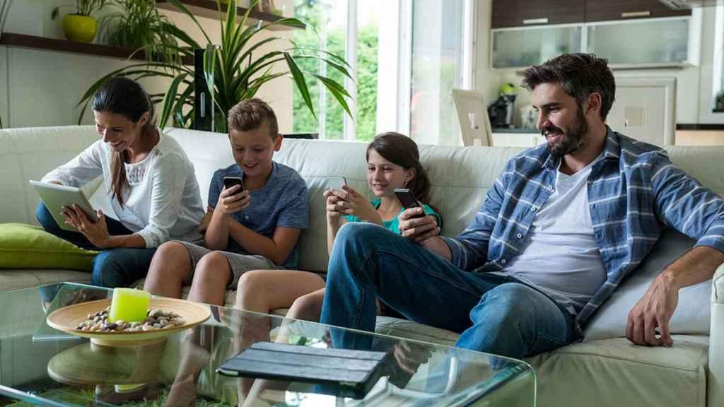 En el confinamiento nuestros hogares se han convertido en 'Cavernas de Platón 2.0' interconectadas.