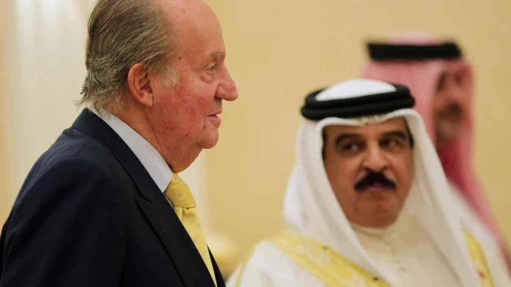 Juan Carlos I visitó la capital de Bahréin, Manama, y a su sultán el 1 de mayo de 2014.