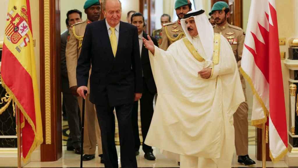 El rey Juan Carlos con el rey de Bahréin, Hamad bin Isa Al Khalifa, en 2014.
