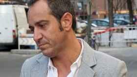 Víctor Sandoval, roto de dolor.