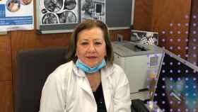Lola, la matrona que lleva 40 años trayendo niños al mundo.