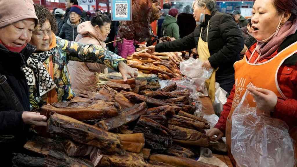 Imagen archivo de un mercado en China.