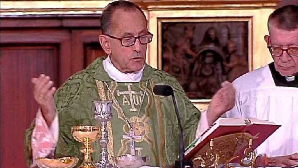 TVE sigue retransmitiendo la Santa Misa, aunque sin fieles en los templos.