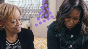 Michelle Obama junto a su madre en el documental.