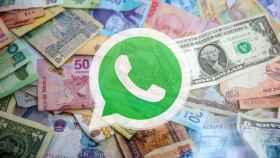 Fotomontaje con WhatsApp y dinero.