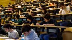 Los estudiantes pasan las pruebas de Selectividad.