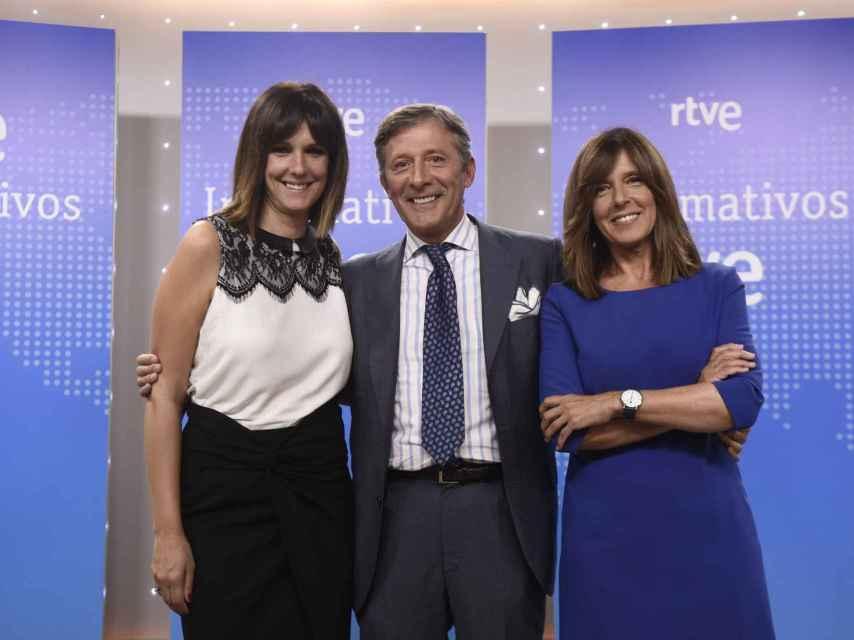 Mónica López junto a Ana Blanco y Jesús Álvarez en una imagen promocional de 2017.