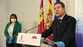 El presidente de Castilla-La Mancha, Emiliano García-Page, y la alcaldesa, Tita García, este viernes en Talavera
