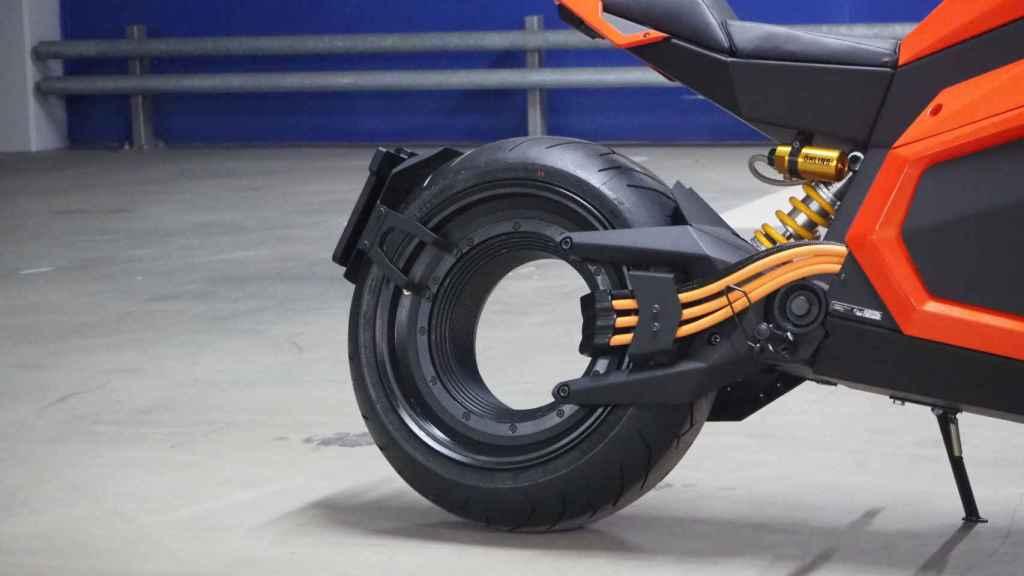 El motor eléctrico de la Verge TS está integrado en el eje trasero