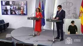 María Jesús Monetro y Salvador Illa, en rueda de prensa tras la videoconferencia de presidentes.