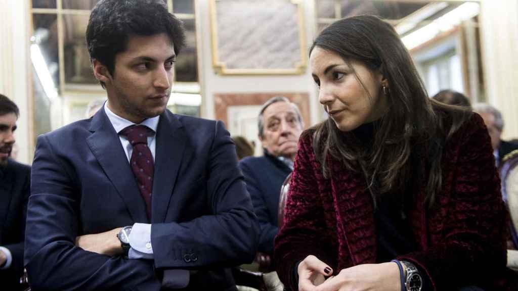 Alejandra Romero, duquesa de Suárez, y Pedro Armas.