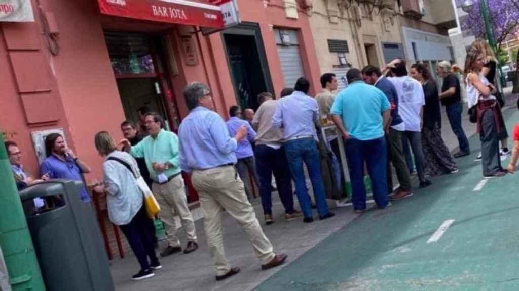 Un bar de Sevilla no respetaba las medidas para la fase 1 de desescalada.