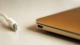MacBook con puerto Thunderbolt