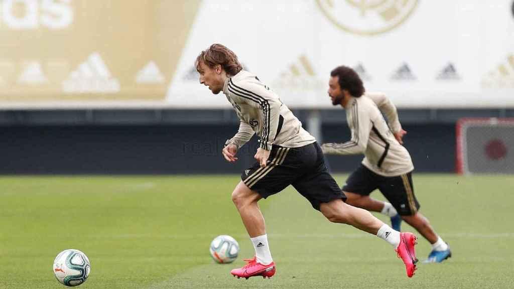 Luka Modric y Marcelo, entrenando en Valdebebas