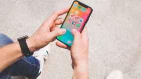 Redes sociales en un móvil.