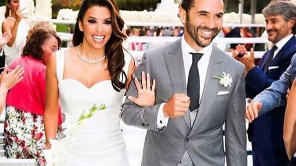 Eva Longoria y José Bastón recién casados.