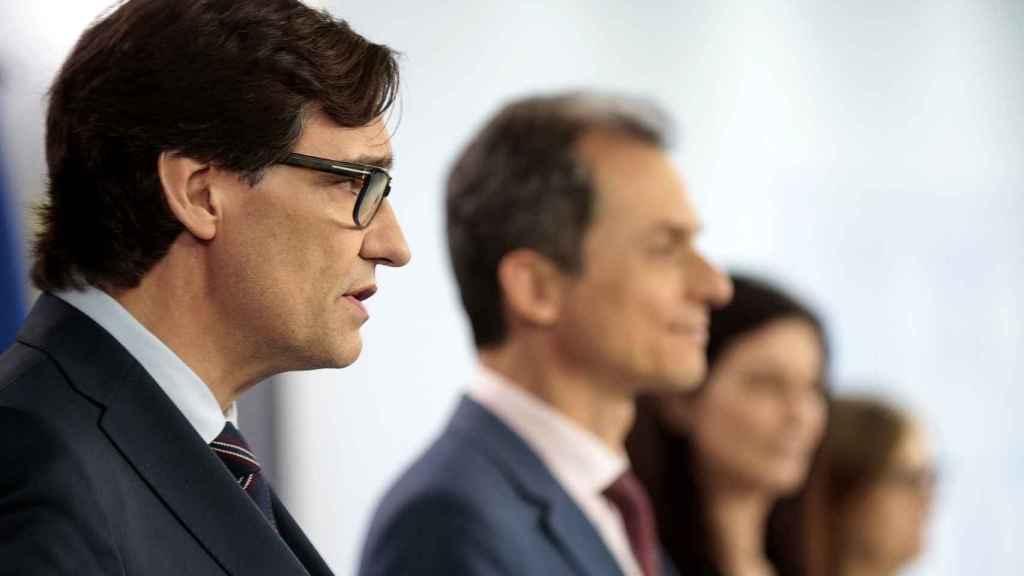 Salvador Illa, ministro de Sanidad, y Pedro Duque, ministro de Ciencia e Innovación, en la rueda de prensa sobre los resultados del ENE-COVID-19.