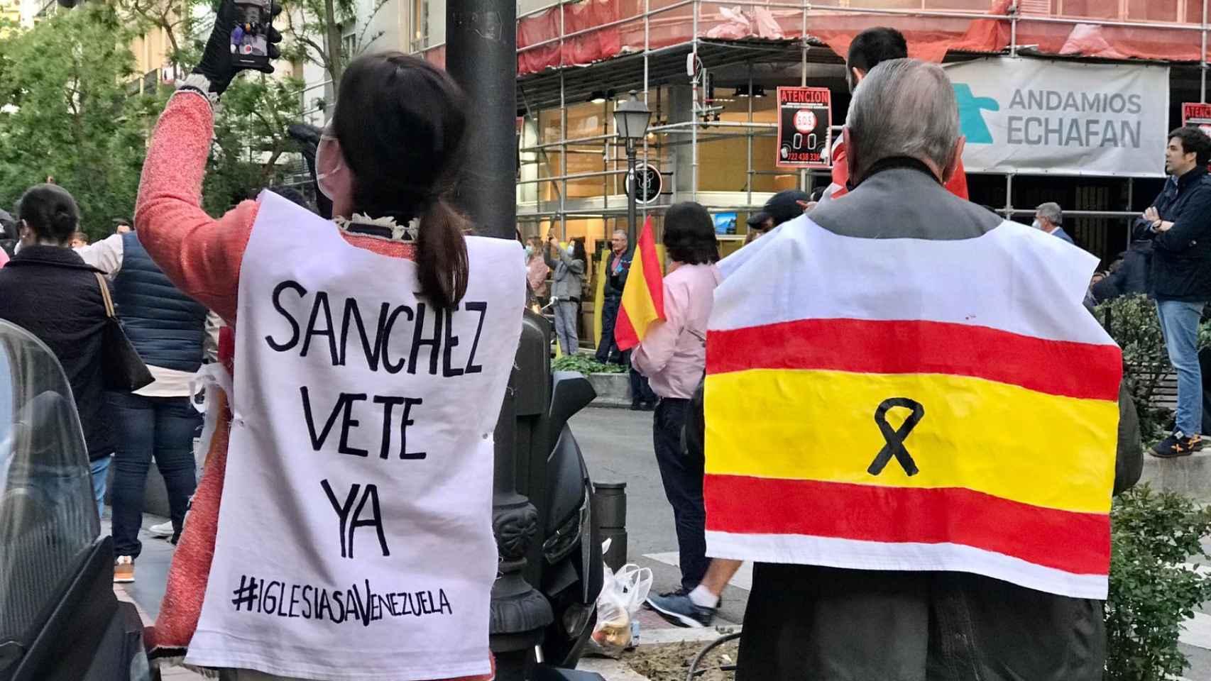Nueva cacerolada contra Pedro Sánchez en el barrio de Salamanca de Madrid.