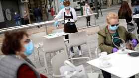 Madrid seguirá sin poder abrir las terrazas de los restaurantes una semana más.