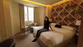Clara, la enfermera cordobesa que se aloja en el Room Mate Macarena, en Madrid.