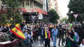 Manifestación sin distancia de seguridad en el entorno de la calle Núñez de Balboa. Carmen Suárez