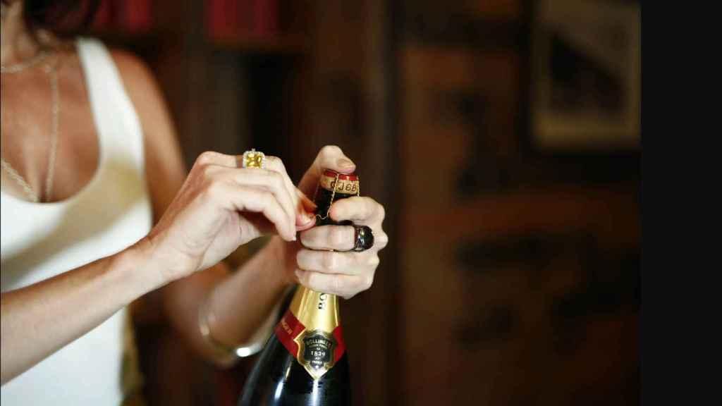 Descorchar una botella adecuadamente no es tan fácil como parece.