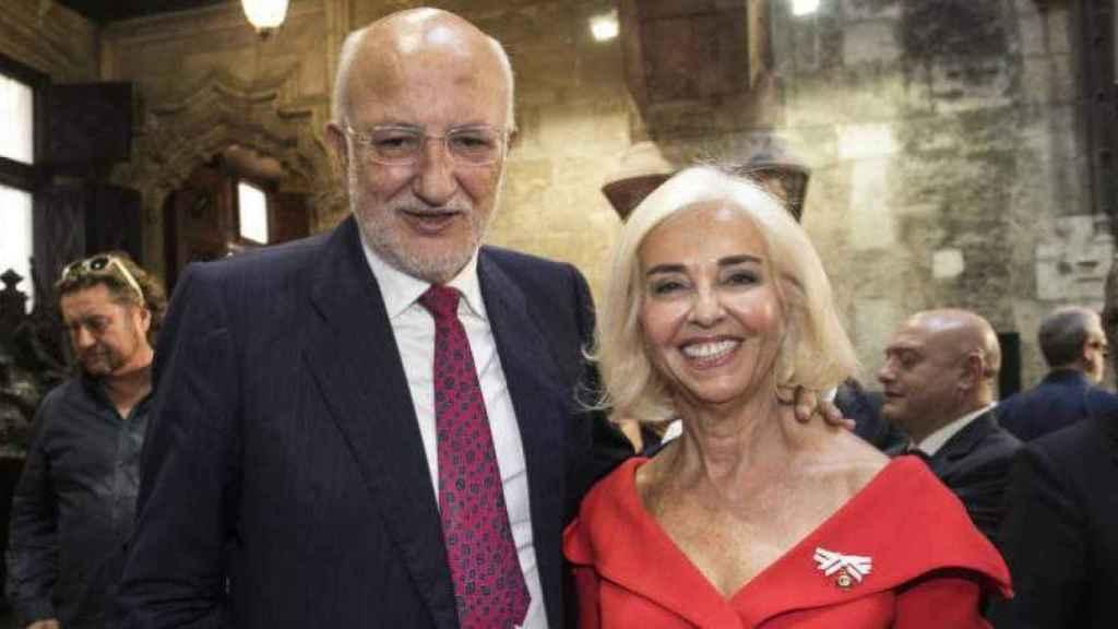 El presidente de Mercadona, Juan Roig, con su esposa y vicepresidenta de la empresa, Hortensia Herrero.