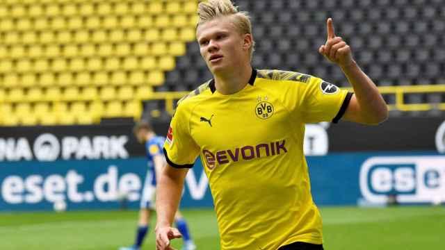 Haaland celebra su gol con el Borussia Dortmund