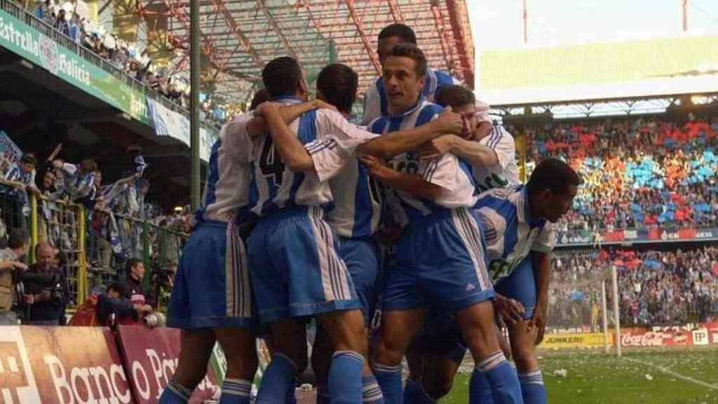 Los jugadores del Dépor celebran uno de los goles del último partido de liga
