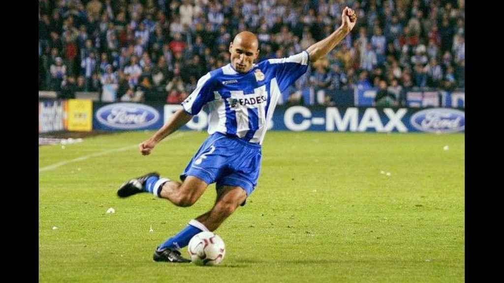 Manuel Pablo, durante un partido con el Deportivo