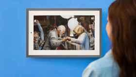 El marco de fotos definitivo: pantalla gigantesca e integración con Google Fotos