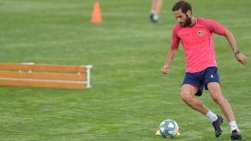 Mario Suárez, en un entrenamiento del Rayo Vallecano