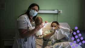 En la habitación 1108 de la Maternidad de La Paz, Marta y su pequeño Aritz, con casi ya 24h horas de vida a punto de recibir el alta.