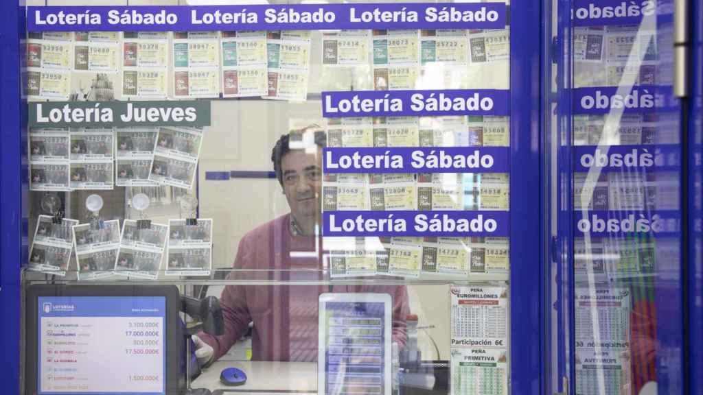 David, el dueño de la administración de lotería.